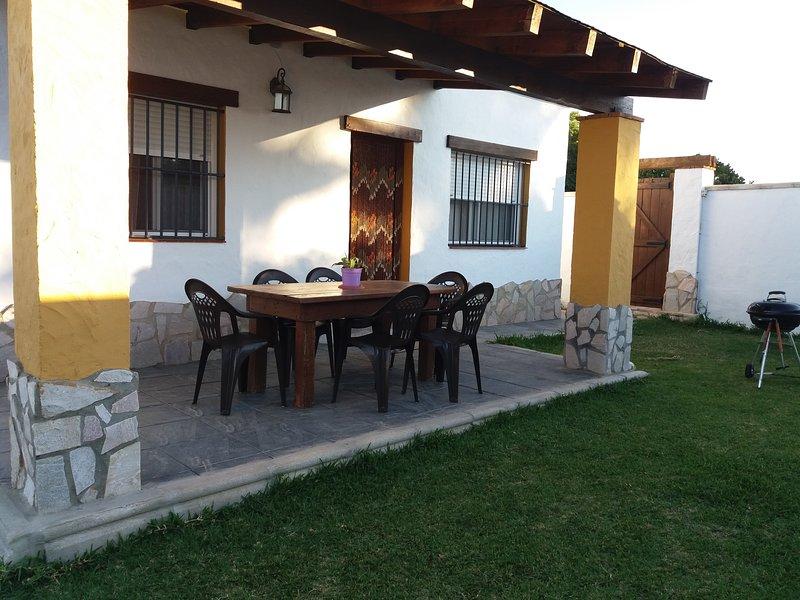 CASA JUNTO AL NOVO SANTIPETRI ,camino  colada de funte amarga, casa vacanza a Chiclana de la Frontera