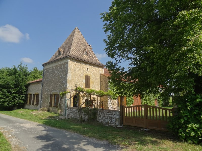 Fonblanque Nord (Monpazier) - Charming Southern Dordogne Farmhouse, holiday rental in Monpazier