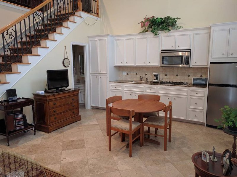 sala de jantar / cozinha cozinha está totalmente equipada