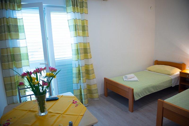 R1 (2): camera da letto