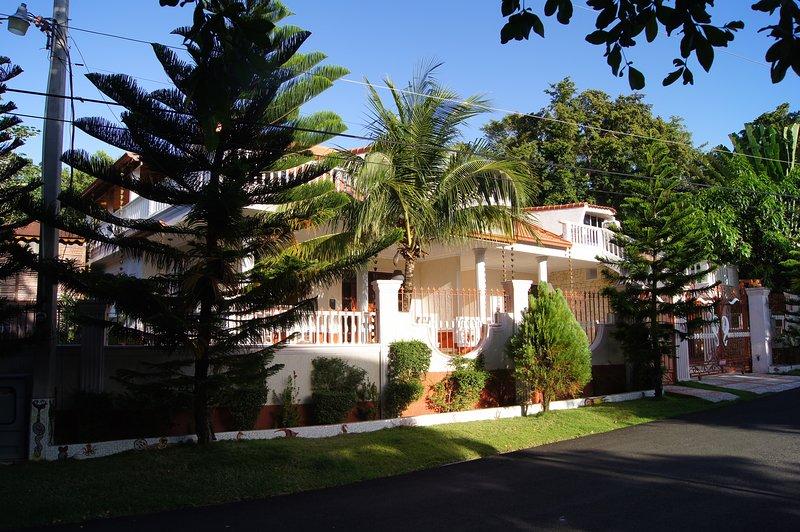 Casa Estrella Mirabal-4 , Apartment 4, holiday rental in Perla Marina