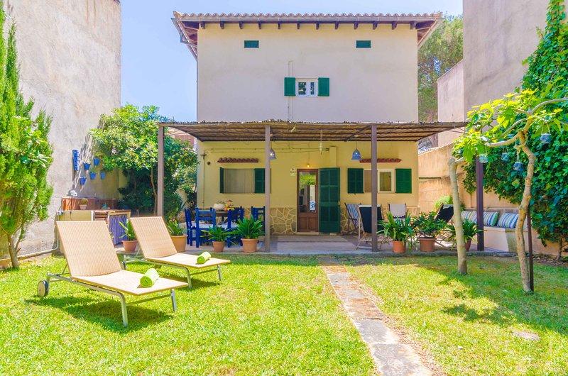 PENYA - Chalet for 6 people in s'Illot, location de vacances à S'illot