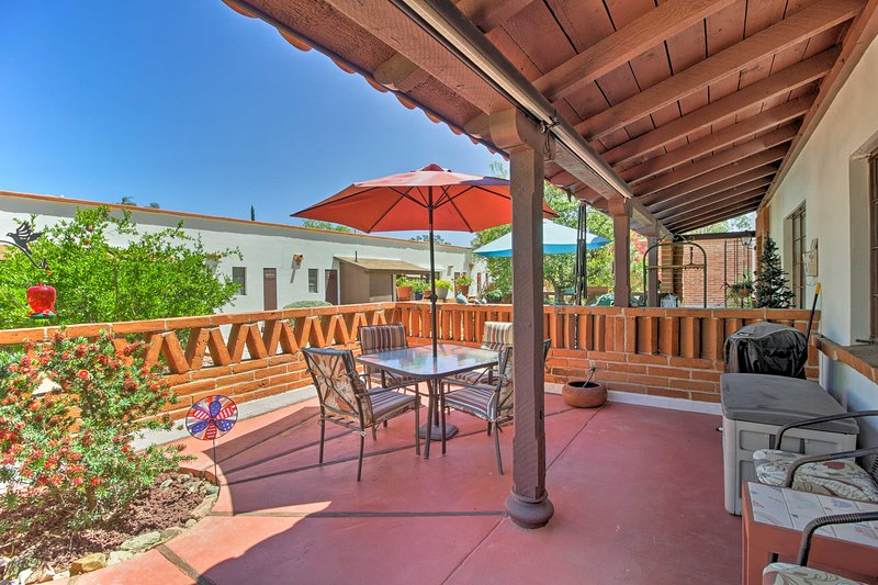 Unwind in this 1-bedroom, 1-bathroom vacation rental villa in  Green Valley.