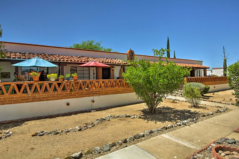 Minutes from Tucson, this villa offers the best of city and serenity.