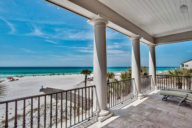 Your beachfront balcony with gorgeous views of the Gulf.