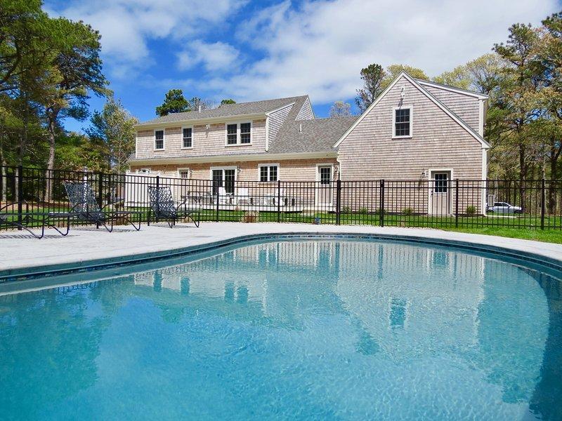 Superbe maison neuve avec piscine d'eau salée moulue chauffée