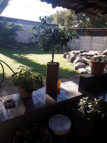 Paul and Mollie's Guest House, holiday rental in Broederstroom