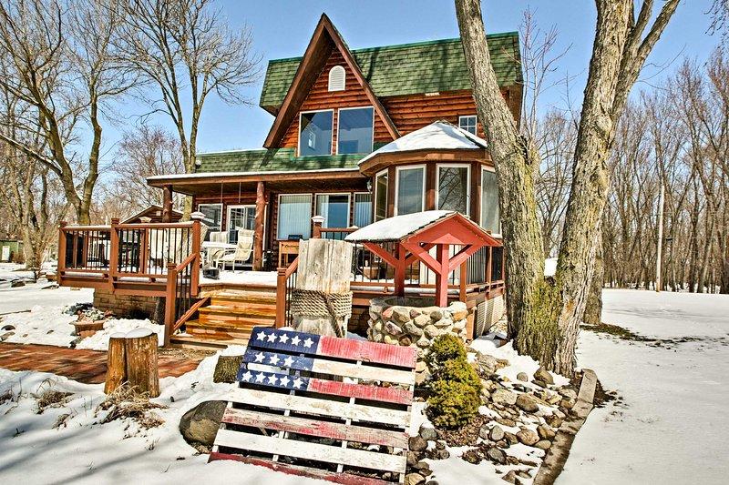 Organizza la tua prossima vacanza lago a questo 3 camere da letto, 2 home bagno di casa vacanza.