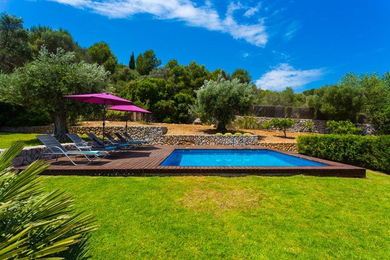 Beautiful Finca for 8 people in Son Servera, alquiler vacacional en Cala Millor