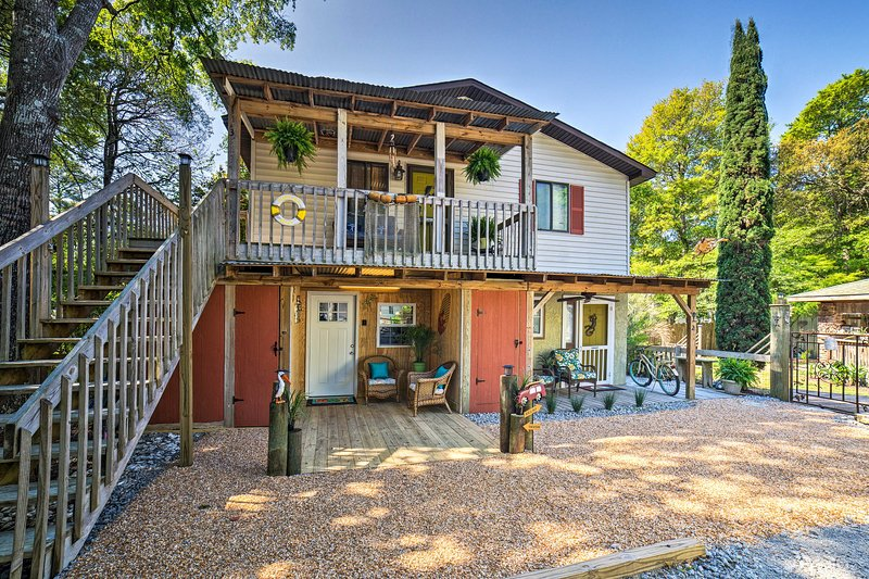 Have the ultimate beach vacation with this Ocean Isle Beach vacation rental studio!