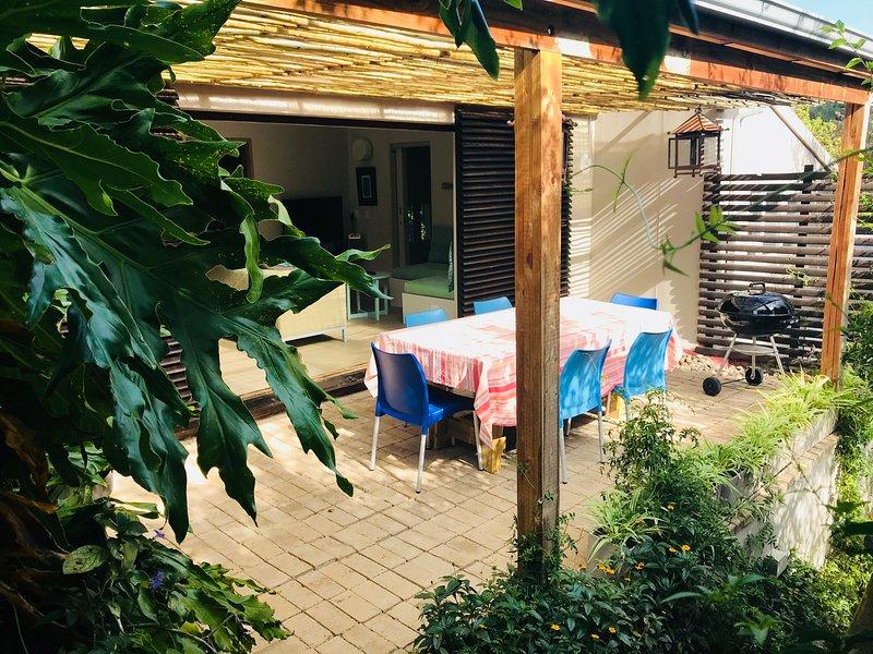 Treebia Self-catering Unit 2 Plettenberg Bay, holiday rental in Harkerville