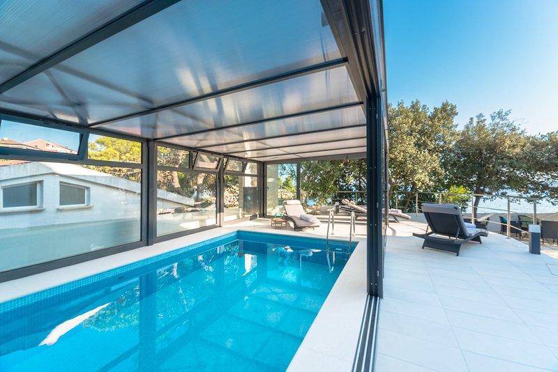 Villa Family Dream with Pool, alquiler de vacaciones en Mandre