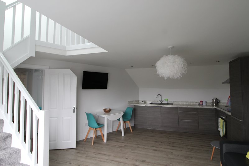 Recently renovated beautiful two bedroom apartment (Flat 1), holiday rental in Hale