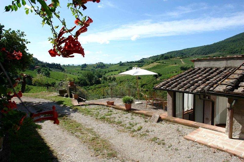Tenuta Le Sodole - Holiday Home Il Glicine, casa vacanza a Pancole