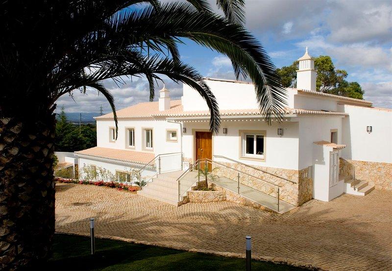 VILLA P21639 - LOCATION LOCATION LOCATION !!!, location de vacances à Bensafrim