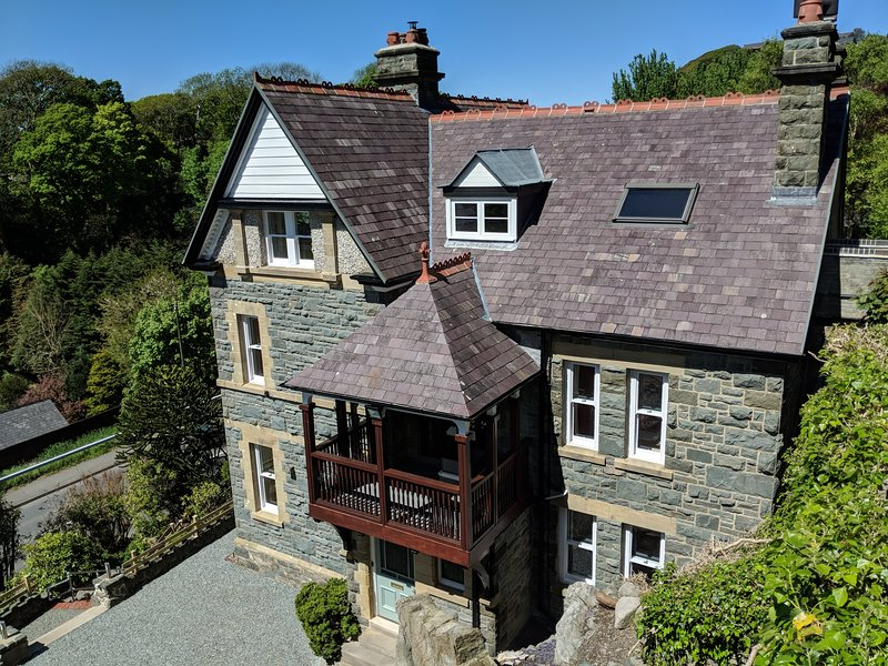 High View House, Hot Tub & Sea Views, holiday rental in Barmouth