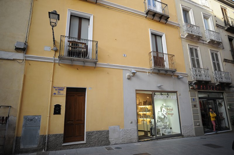 Bed and Breakfast del Corso is located in the historical heart of the city.