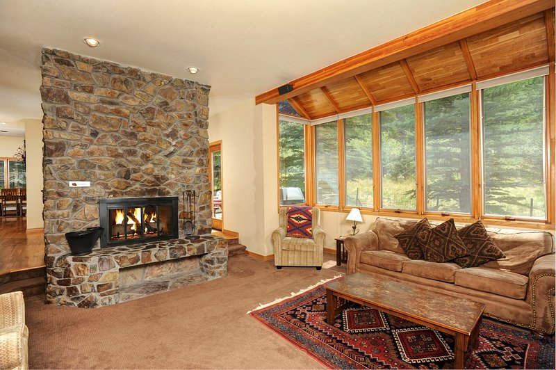Relax after a day on the hill in front of the cozy gas fireplace