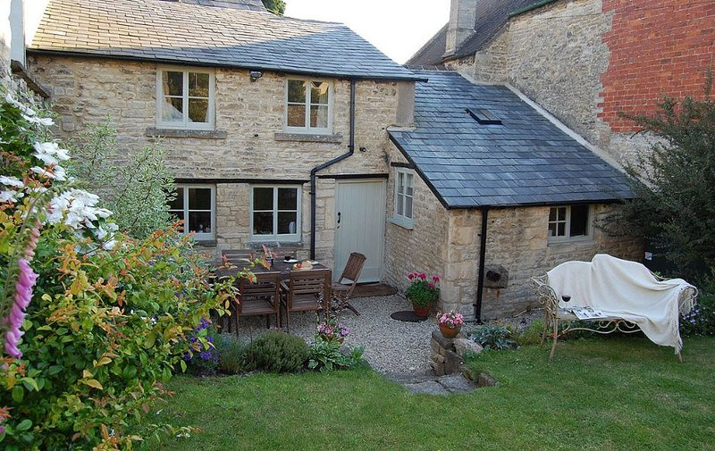 The Guggle - Heart of The Cotswolds, vacation rental in Ablington