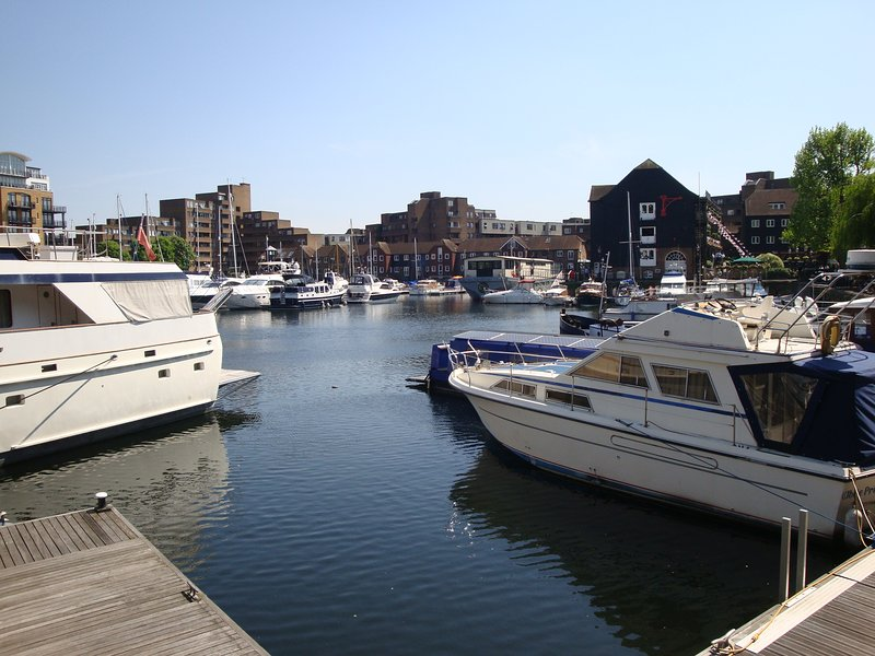St Katharine Docks - Tower Bridge - Marina View, Ferienwohnung in London