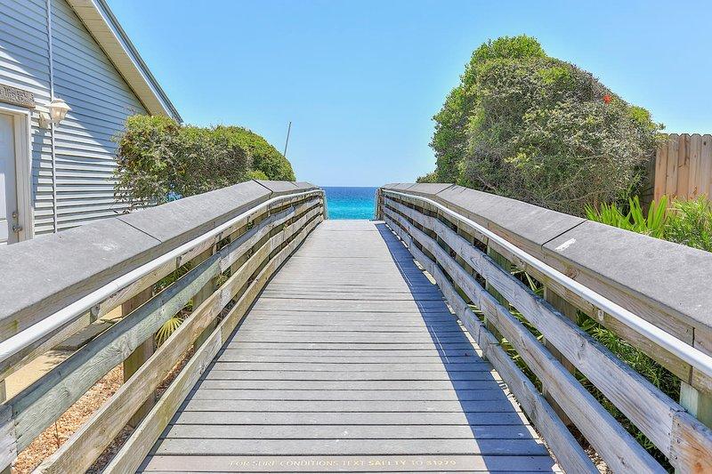 Bienvenido a Dolphin 1. Pasos a la playa a pie de nuevo.