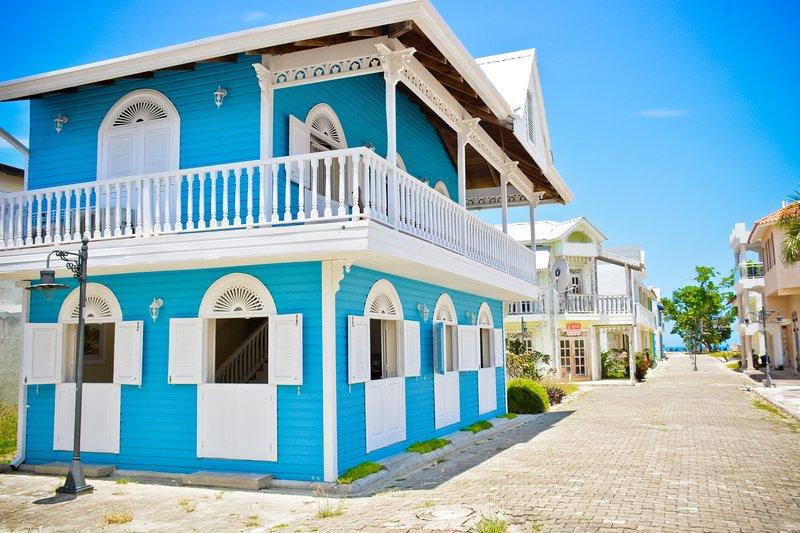 Casita Azul villa Estilo -Victorian, perto da praia e Beach view from Balcony.
