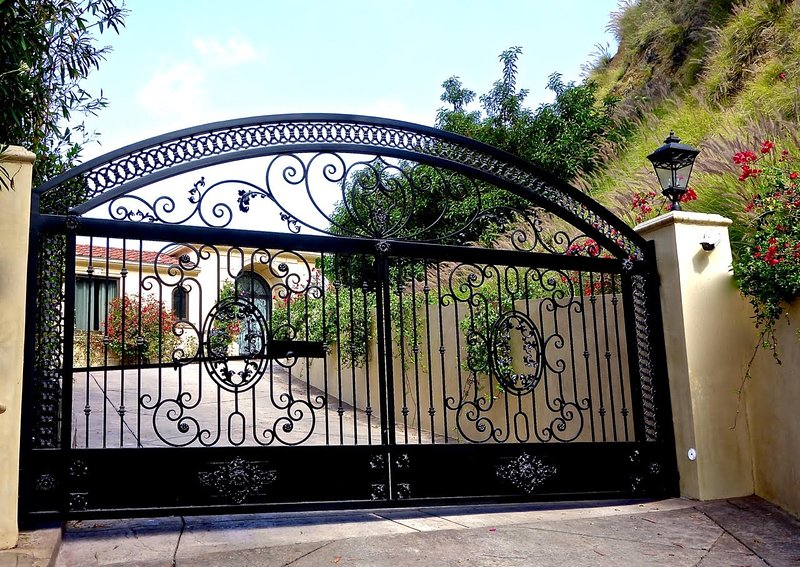 GATED ENTRY TO A PRIVATE DRIVEWAY.