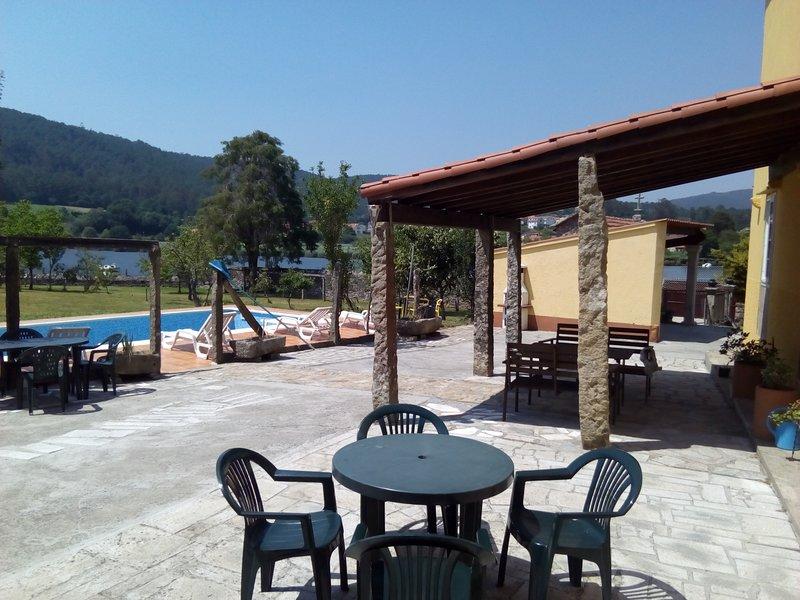 Apartamento en un ambiente rural, holiday rental in Negreira