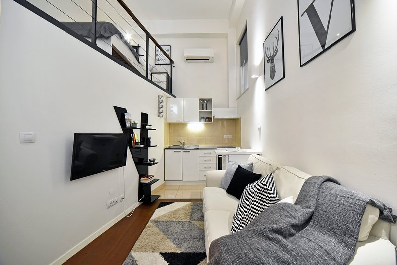 Mystic Apartment - West Center, vacation rental in Zagreb