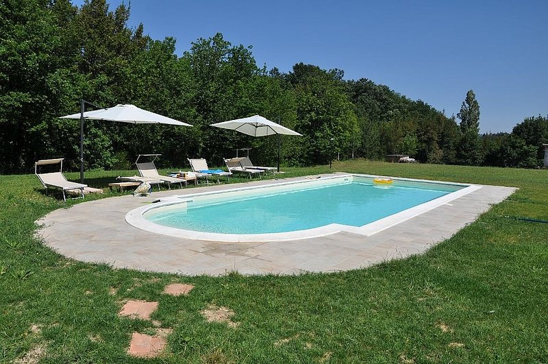 Zona Artigianale Callarella Villa Sleeps 4 with Pool and WiFi - 5625665, vacation rental in Fiastra