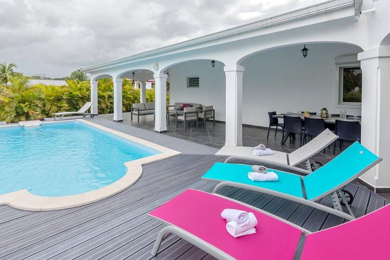 Superbe villa avec Piscine et Jardin | TripAdvisor - Goyave ...