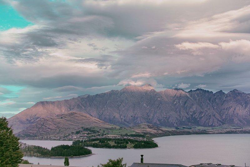 Panoramisch uitzicht op de Remarkables van Mountain Vista