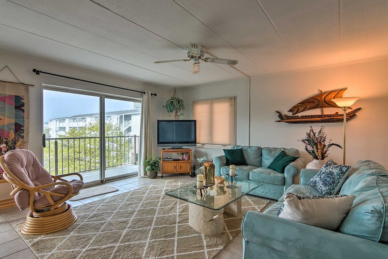 This 2-bedroom, 2-bath condo in Ocean City is perfect for your next getaway!