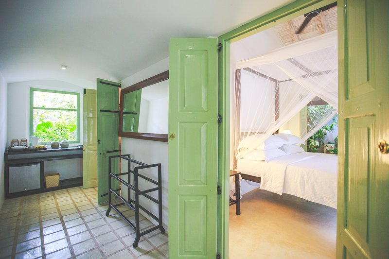 Family Suite in Villas Gabrielle, a luxury colonial style villa in Ahangama, holiday rental in Ahangama