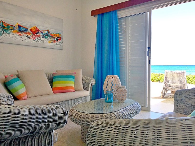 The little Beach House, vacation rental in Pervolia