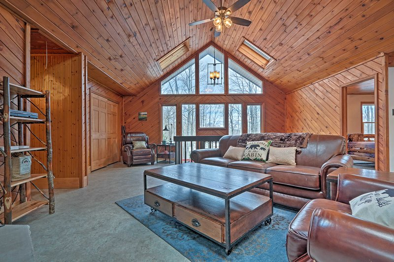 Pocono Lake welcomes you to this spacious vacation rental house!