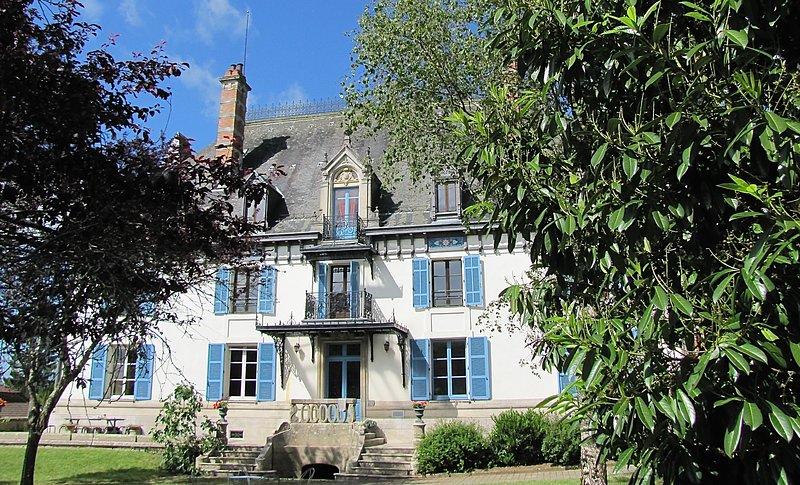 Chateau Le Bocage Savigny Haute Marne, location de vacances à Recologne