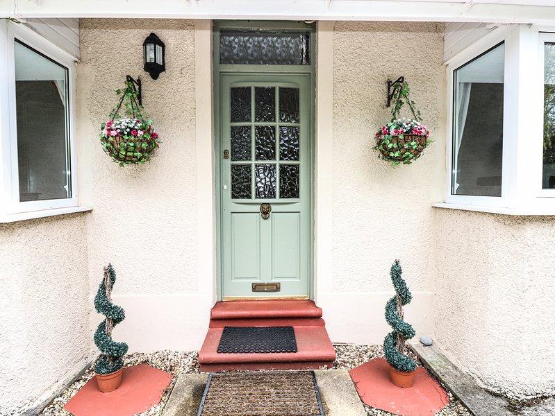 LAKELANDS, countryside views, games room, Pembrey 1 mile, Ref 935045, holiday rental in Llandyfaelog