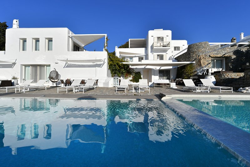 Paros Butterfly Villas 6 with common pool, 1 in Tripadvisor, location de vacances à Pounta