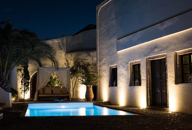 BlueVillas | Villa Mansion Sophia | Secluded with private pool & terrace, vakantiewoning in Athinios