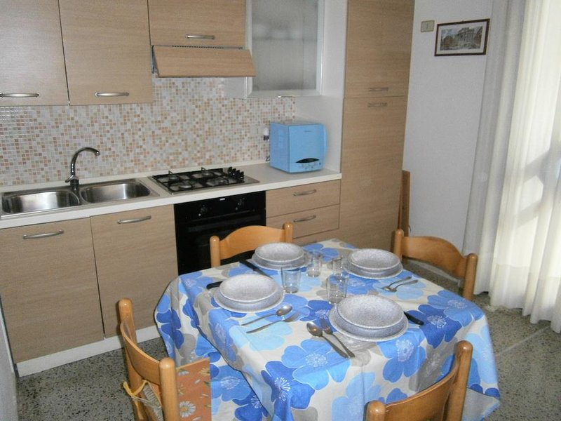 Nice apartment 30mt from the beach in Caorle - Beach place included, holiday rental in Caorle