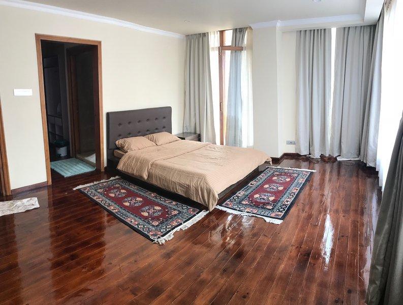 Homestay, fully furnished apartments (M2), casa vacanza a Thimphu