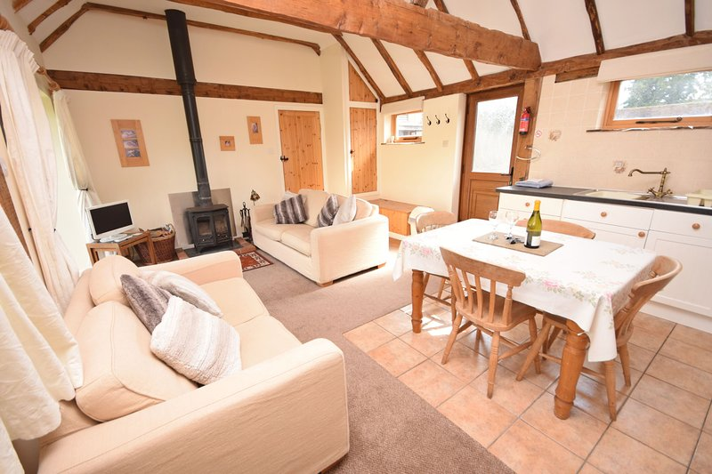 The Dairy , Petersfield - Country Cottage for two in rural retreat, holiday rental in East Meon