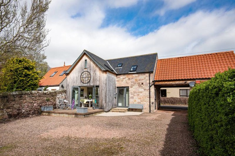 Charming & Comfortable Lodge in Norham- sleeps 4, vacation rental in Norham
