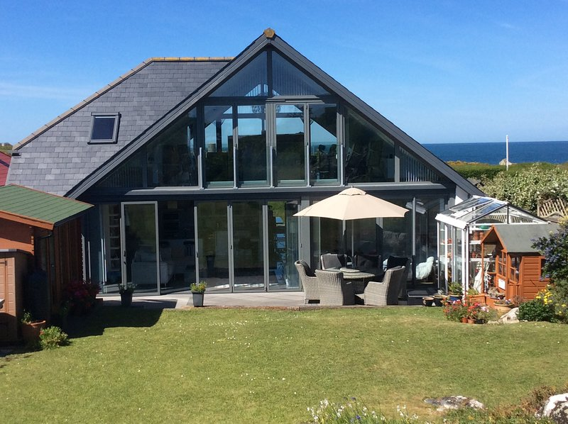 Contemporary property with stunning sea views., holiday rental in St Mary
