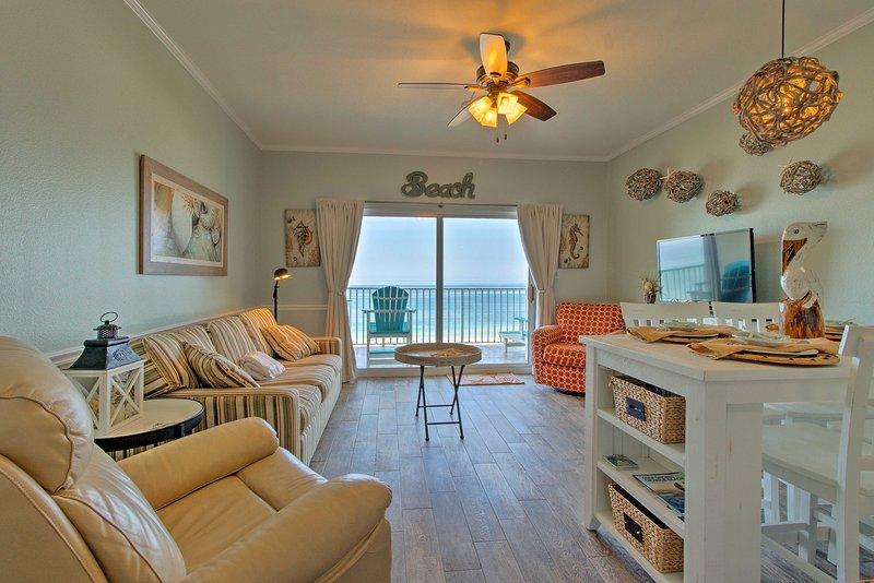 Relajarse en la sala de estar actualizado sobre los muebles de lujo.