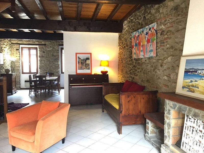 Jolie maison de village de caractère à Laroque des Albères, holiday rental in Villelongue-dels-Monts