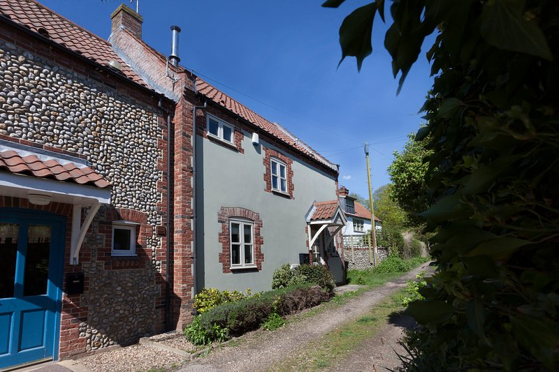 Legion Cottages Blakeney 2 bedrooms 2 bathrooms, aluguéis de temporada em Blakeney