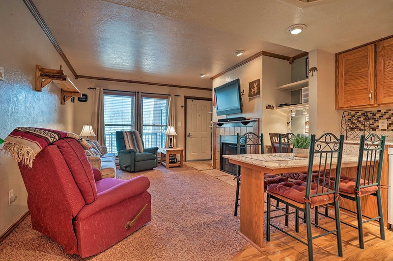 This 1-bedroom, 1-bathroom condo is ideal for a family of 6.