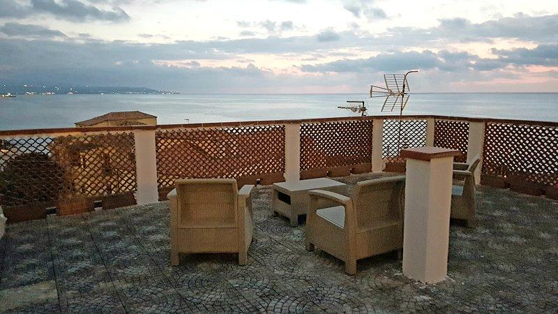 Pizzo, la vacanza con il mare a pochi passi!, vacation rental in Pizzo